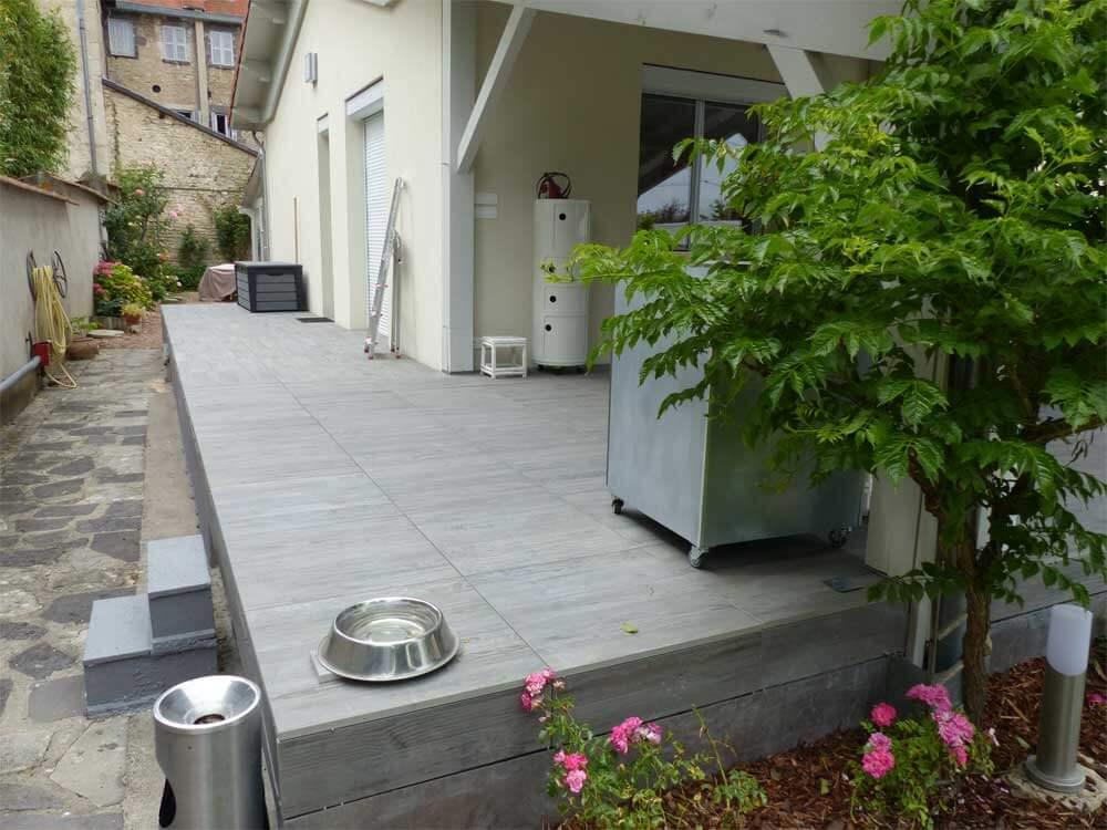 Pose d'une terrasse grès cérame à Aigueperse