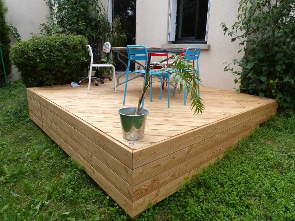 Terrasse et spots à Saint-Amant-Tallende